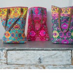 fun-colored-silkscreened-bags-bolsas-con-serigrafa-de-colores-divertidos